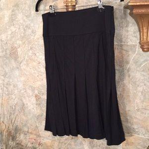 Isaac mizrahi 🌹 stunning black pleated skirt.